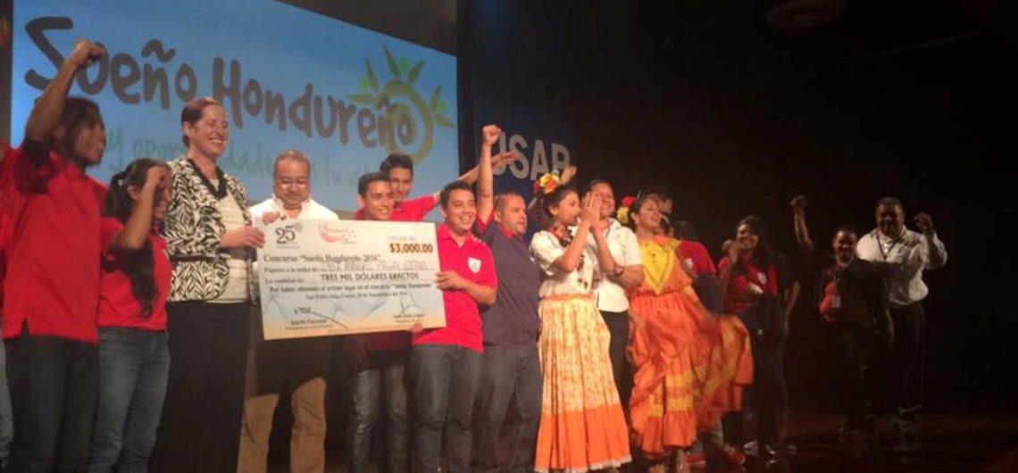 """Ganadores del concurso """"Sueño Hondureño"""" 2016."""